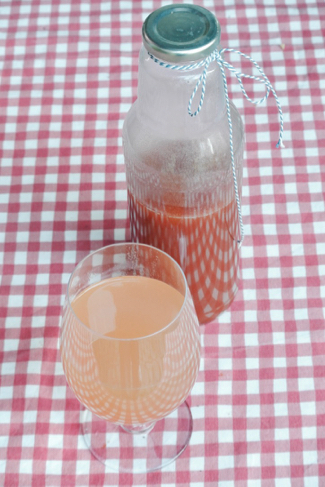 roosvice-rozenbottel-limonade